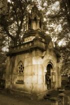 Mausoleum_dreamstime_xs_20242963