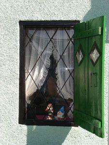 Vale window