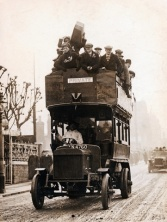1905 Double-Decker Bus