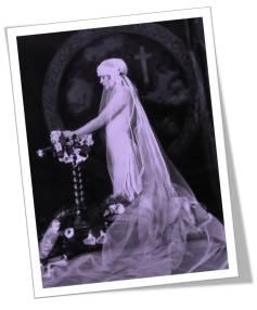 1920s Bride Kneeling