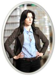 Jamie Murray as Felicity
