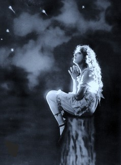 Mary Pickford as Mist