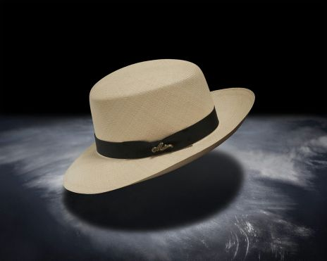 Monticristi_Straw_Hat_Optimo
