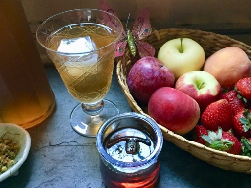 Sun n Moon Tea w Agave Served apples
