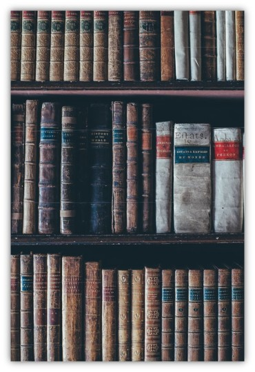 Old books Annie Spratt unsplash