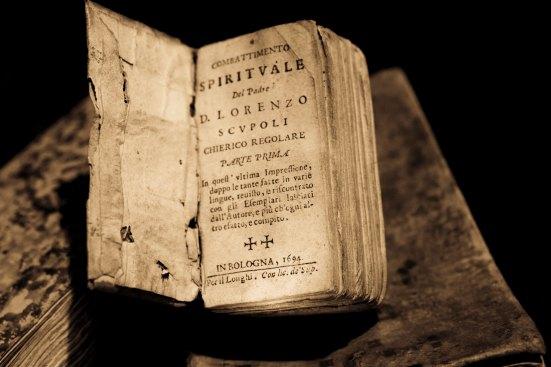 Ancient Book daniele-levis-pelusi-221717