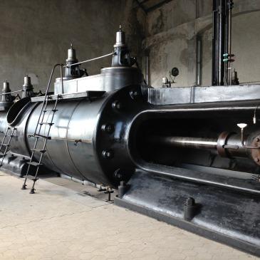 Steam Engine Machine by Bluemer at Pixabay