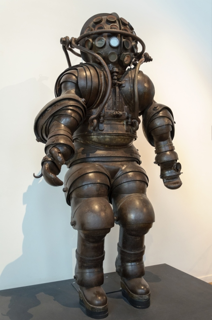 anthropomorphic Atmospheric Diving Suit by Carmagnolle 1883 Wikipedia