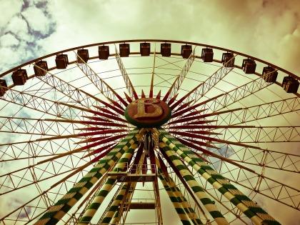 ferris-wheel MichaelGaida Pixabay