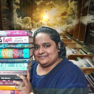 Fiza Pathan with books.