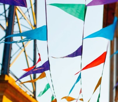 Pennant flags in breeze Zavatos Unsplash (crop)