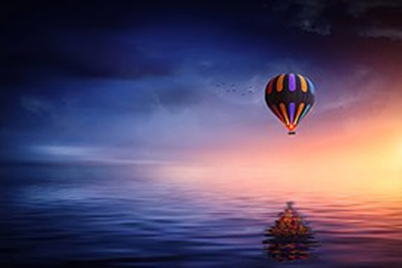 Hot air balloon over water wikimedia
